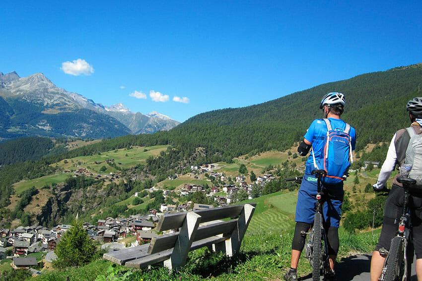 Visiter la Suisse a velo